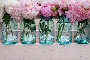 mason+jar+filled+with+pink+peonies